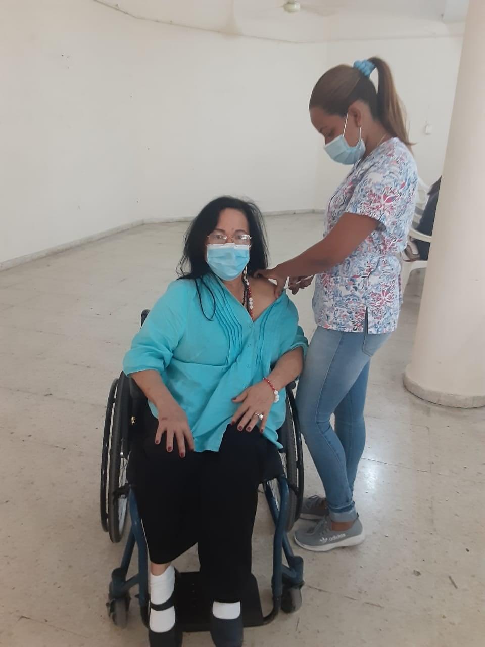 Vacunación para el COVID 19, en la  fase de inoculación para personas mayores de 70 años.