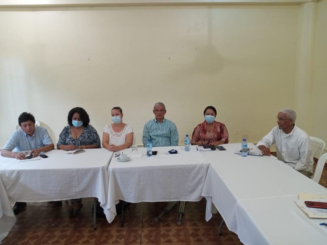 Reunión de ASODIFIMO, con la  Lic. María Acevedo, Presidenta del Club Rotario y el Representante de los Servicios Humanitarios de la Iglesia de Jesucristo de los Santos de los Últimos Días, el Dr. Carlos Zometa