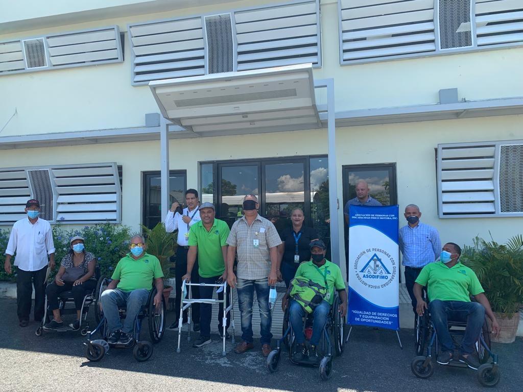 ASODIFIMO junto al INTRANT sensibilizan chóferes de la OMSA sobre Inclusión de las Personas con Discapacidad en el transporte y la Terminología apropiada para referirse a las personas con discapacidad.